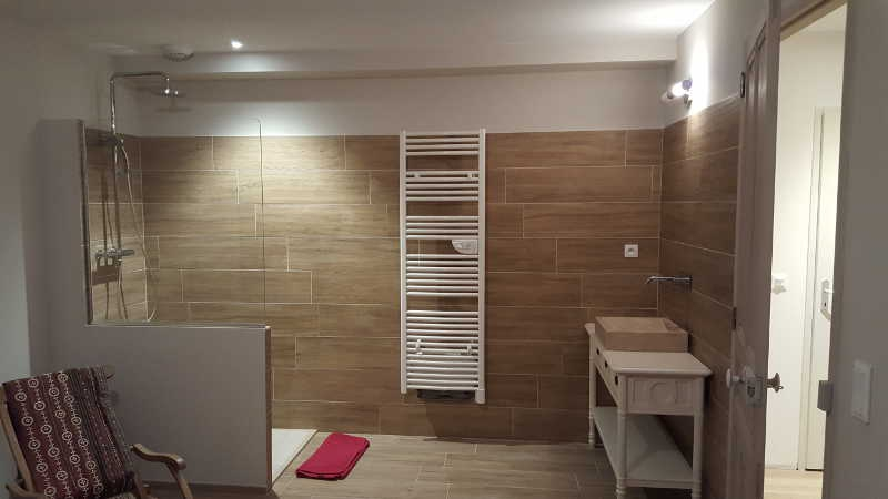 amenagement salle bains sauna accueil design et mobilier. Black Bedroom Furniture Sets. Home Design Ideas